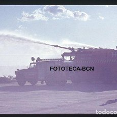 Fotografía antigua: OPERACION ICARO 80 AEROPUERTO BARCELONA EL PRAT CAMION BOMBEROS SIMULACRO CATASTROFE AÑO 1980. Lote 149465142