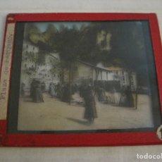 Fotografía antigua: MONTSERRAT-PLAZA MERCADO-FOTOGRAFIA DIAPOSITIVA CRISTAL COLOREADA-VER FOTOS(V-17.766). Lote 179535748