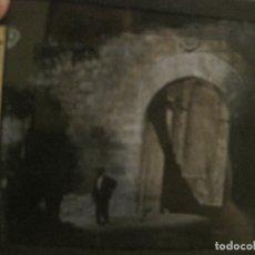 Fotografía antigua: MONTSERRAT-PUERTA DE ENTRADA-FOTOGRAFIA DIAPOSITIVA CRISTAL COLOREADA-VER FOTOS(V-17.773). Lote 179536925