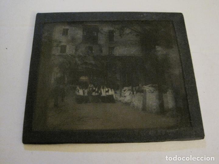 Fotografía antigua: MONTSERRAT-PROCESION-FOTOGRAFIA DIAPOSITIVA CRISTAL COLOREADA-VER FOTOS(V-17.770) - Foto 6 - 179537245