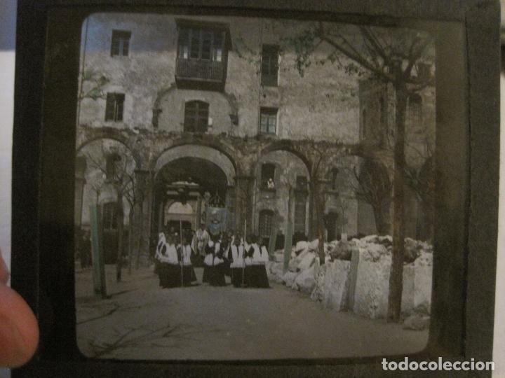 Fotografía antigua: MONTSERRAT-PROCESION-FOTOGRAFIA DIAPOSITIVA CRISTAL COLOREADA-VER FOTOS(V-17.770) - Foto 7 - 179537245
