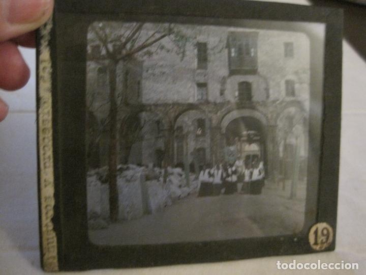 MONTSERRAT-PROCESION-FOTOGRAFIA DIAPOSITIVA CRISTAL COLOREADA-VER FOTOS(V-17.770) (Fotografía Antigua - Diapositivas)
