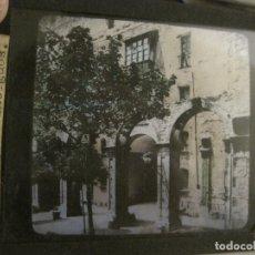 Fotografía antigua: MONTSERRAT-CLAUSTROS ANTIGUOS-FOTOGRAFIA DIAPOSITIVA CRISTAL COLOREADA-VER FOTOS(V-17.769). Lote 179537360