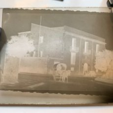 Fotografía antigua: PLACA DE CRISTAL. NEGATIVO. TARTANA POR LAS CALLES DE CASTELLÓN. FOTÓGRAFO?. COMIENZOS S. XX.. Lote 242132615