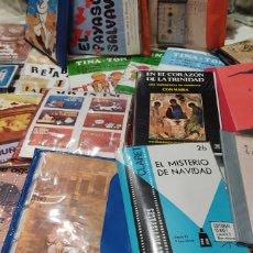 Fotografía antigua: ENORME LOTE 21 PACKS RELIGIOSOS. CON DIAPOSITIVAS Y CINTAS. VER FOTOS. Lote 261809510