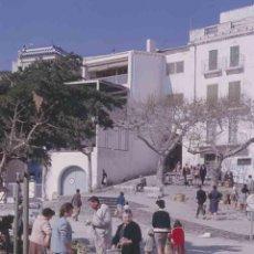 Fotografía antigua: GIRONA. MERCADO. PLAZA. C.1965. Lote 288517448