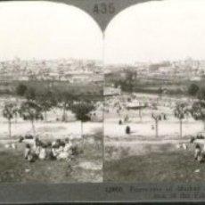Fotografía antigua: FOTOGRAFÍA ESTEREOSCÓPICA DE MADRID. PRADERA DE SAN ISIDRO EN FIESTAS. Lote 24608178