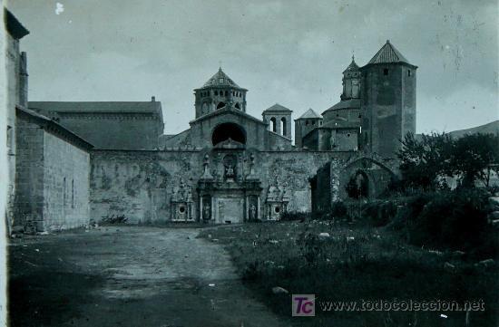 MONASTERIO DE POBLET. TARRAGONA. LOTE DE 4 PLACAS DE CRISTAL. 1915'S APROX. (Fotografía Antigua - Estereoscópicas)