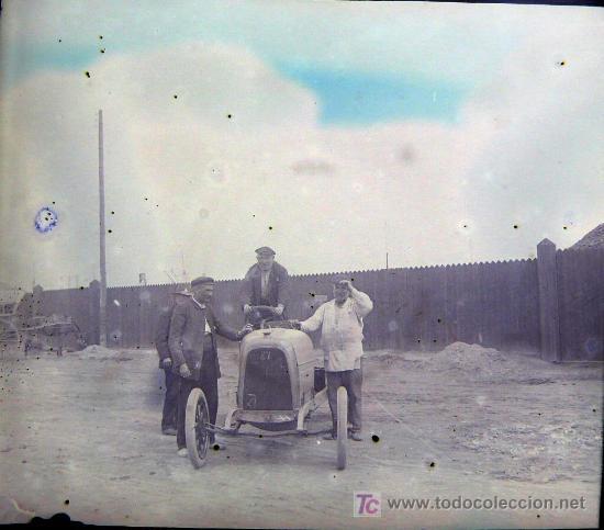 Fotografía antigua: BARCELONA PROBABLEMENTE - coches antiguos, 1920s. 2 cristales negativos estereo 10,4x4,3 cm. - Foto 3 - 14907988