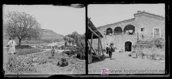 Fotografía antigua: Masia catalana. Fachada anterior de masia y dos señores. Doble toma. Circa 1925 - Foto 2 - 23681656