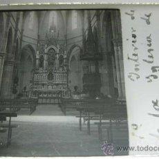 Fotografía antigua: ANTIGUA ESTEREOSCOPIA DE CRISTAL, POSITIVO - INTERIOR DE LA IGLESIA DE TORRELAVEGA, SANTANDER - MIDE. Lote 19935236