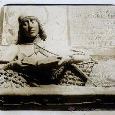 Fotografía antigua: SIGÜENZA, GUADALAJARA, CATEDRAL, CAPILLA STA. CATALINA. 1915'S. CRISTAL POSITIVO ESTEREO 6X13 CM.. Lote 27033651