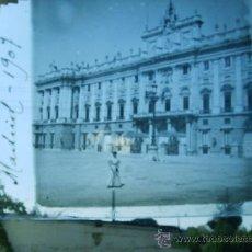 Fotografía antigua: ESTEREOSCOPIA CRISTAL FACHADA PALACIO REAL DE MADRID 1907. Lote 28480025
