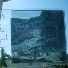 Fotografía antigua: TORRENTE DE LA CASCADA SAN MIGUEL DEL FAI 1917 BARCELONA,CRISTAL. Lote 28481350