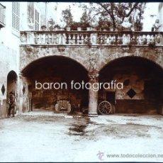 Fotografía antigua: PALMA DE MALLORCA, PATIO DE CASA SA FORTEZA,1915. FOTO: SALVANY-NONELL.CRISTAL POSITIVO ESTEREO 6X13. Lote 29077257