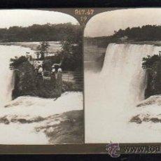 Fotografía antigua: FOTOGRAFIA. H.C. WHITE CO. 323 LUNA FALLS AND ISLAND AND THE AMERICAN FALLS FROM GOAT ISLAND. Lote 32326621
