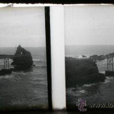 Fotografía antigua: POSITIVO ESTEREOSCOPICO DE CRISTAL - PUENTE SOBRE EL MAR - CIRCA 1900 . Lote 35879517