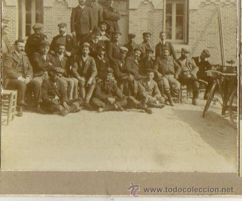 Fotografía antigua: FOTOGRAFIA ESTEREOSCOPICA, MADRID, GRUPO DE CICLISTAS EN EL RESTAURANTE LA HUERTA SOBRE 1900 - Foto 2 - 36563735