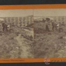 Fotografía antigua: TARRAGONA - ACUEDUCTO ROMANO -ESTEREO - FOT. C. FERRAN -MED 7X15CM-(F-353). Lote 36620091