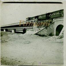 Fotografía antigua: FERROCARRIL - PUENTE - 1910'S - POSITIVO DE VIDRIO - RIO BESÒS . Lote 38017903