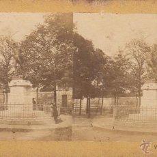 Fotografía antigua: FOTO ESTEREOSCOPICA ALBUMINADA.PARIS-FRANCIA.MONUMENTO AL MARISCAL NEY. 18 X 9 CM.. Lote 41474438