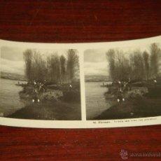 Fotografía antigua: ANTIGUA FOTOGRAFÍA ESTEREOSCÓPICA FIERENZE. VEDUTA SULL ARNO CON PESCATORI. 9X18CM. COL.70.. Lote 42667923
