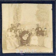 Fotografía antigua: ESTEREOSCOPICA, MILITARES EN FIESTA O REPRESENTACION, MUY RARA. Lote 43140807
