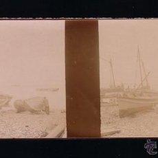 Fotografía antigua: CÁDIZ.BARCOS ( FALUCHOS) EN LA BAHIA.ANTIGUA FOTOGRAFIA ESTEREOSCÓPICA DE PAPEL.12 X 4,5 CTM. Lote 48197209