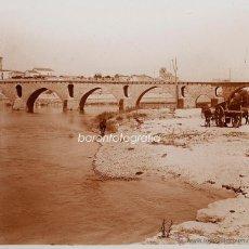 Fotografía antigua: ZAMORA, PUENTE ROMANO, 1910S. CRISTAL POSITIVO ESTEREO 6X13 CM. FXP. Lote 48447117