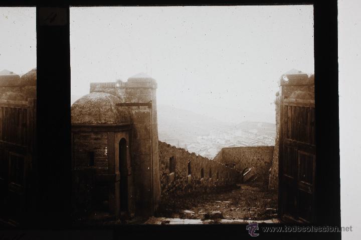 CARDONA, 1910'S. ENTRADA AL CASTILLO, CRISTAL POSITIVO ESTEREO 6X13 CM. (Fotografía Antigua - Estereoscópicas)