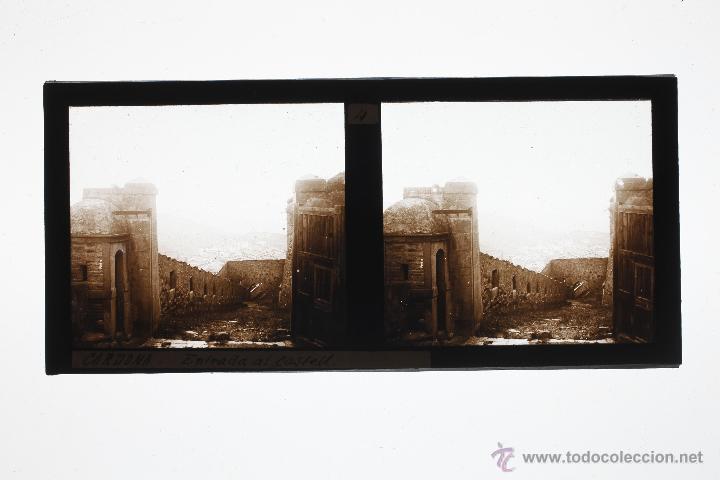 Fotografía antigua: CARDONA, 1910S. ENTRADA AL CASTILLO, CRISTAL POSITIVO ESTEREO 6X13 CM. - Foto 2 - 49751311