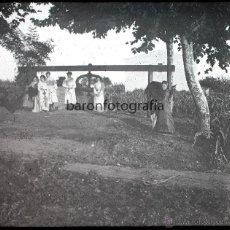 Fotografía antigua: SANT ADRIÀ DE BESÓS, UNA PRENSA. 1910'S. CRISTAL POSITIVO ESTEREO 6X13 CM.. Lote 49766920
