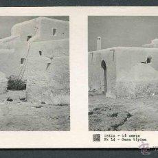 Fotografía antigua: IBIZA. TÍPICA CASA IBICENCA MUY ANTIGUA, CON PAREDES DE TAPIAL. C. 1945. Lote 50438109