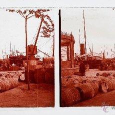 Fotografía antigua: PUERTO DE BARCELONA, 1915'S. CRISTAL POSITIVO ESTEREO 6X13 CM.. Lote 51878604