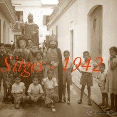 Fotografía antigua: SITGES - GEGANTS - 1942 - FESTA MAJOR - 5 NEGATIUS DE CEL·LULOIDE . Lote 53894469