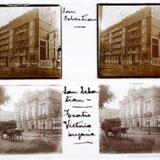 Fotografía antigua: SAN SEBASTIÁN, 1920'S. TEATRO VICTORIA EUGENIA Y EDIFICIO, 2 CRISTALES ESTEREO 10X4CM. Lote 56720769