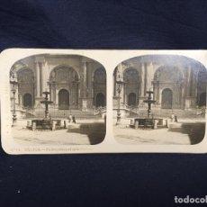 Fotografía antigua: MALAGA CATEDRAL ANDALUCIA FUENTE FOTO ESTEREOSCOPICA PUERTA PRINCIPAL CATEDRAL 8,2X17CMS. Lote 62009580