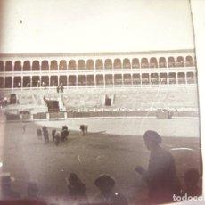 Fotografía antigua: PLACA ESTEREOSCOPICA EN CRISTAL Y EN POSITIVO DE UNA CORRIDA EN LA PLAZA DE TOROS DE SALAMANCA. 1928. Lote 81636492