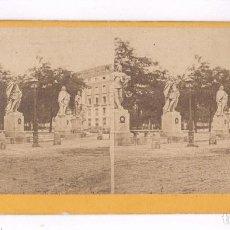 Fotografía antigua: MADRID, ESTÁTUAS DE REYES, 1857-63 APROX. ALBÚMINA SOBRE CARTÓN 9X18 CM. Lote 84288560