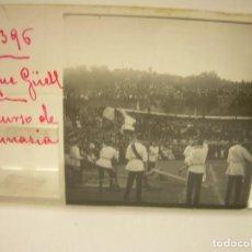 Fotografía antigua: BARCELONA,PARQUE GUELL- CONCURSO DE GIMNASIA - 6 CRISTAL ESTEREOSCOPICO- CA.1.900. Lote 89104004