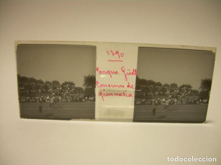 Fotografía antigua: BARCELONA,PARQUE GUELL- CONCURSO DE GIMNASIA - 6 CRISTAL ESTEREOSCOPICO- CA.1.900 - Foto 10 - 89104004