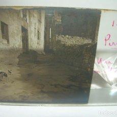 Fotografía antigua: UNA CALLE DE ALPENS-CRISTAL ESTEREOSCOPICO-CIRCA. 1.900. Lote 89502316