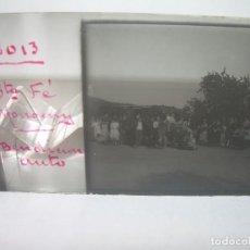 Fotografía antigua: CRISTAL ESTEREOSCOPICO.....BENDICION DE AUTO...SANTA FE DEL MONTSENY.......CIRCA. 1.900. Lote 90565835