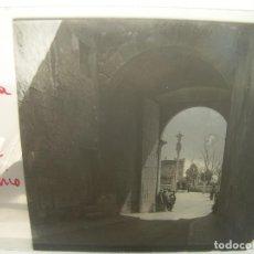 Fotografía antigua: 10 CRISTALES ESTEREOSCOPICOS......TARRAGONA...CATEDRAL...SEPULCROS REALES....CIRCA 1.900. Lote 93176215