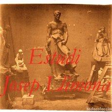 Fotografía antigua: ESCULTOR JOSEP LLIMONA - ESTUDI - 1900'S - NEGATIU DE VIDRE. Lote 93623835