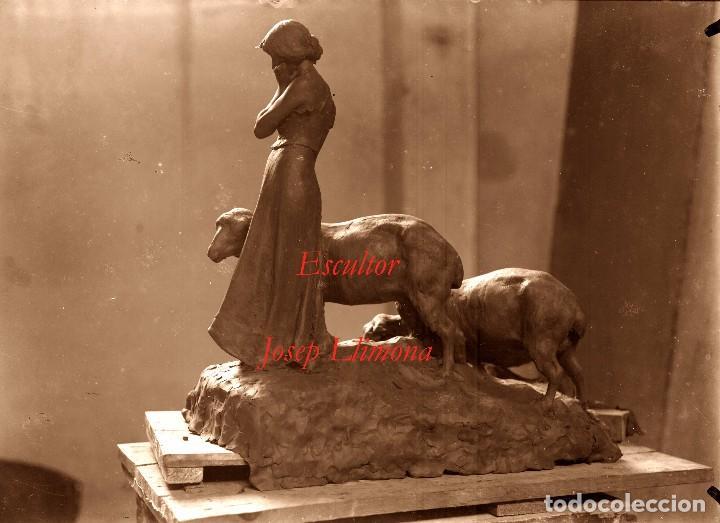 ESCULTOR JOSEP LLIMONA - GRUPO ESCULTORICO - 1900'S - NEGATIVO DE GRAN FORMATO (Fotografía Antigua - Estereoscópicas)