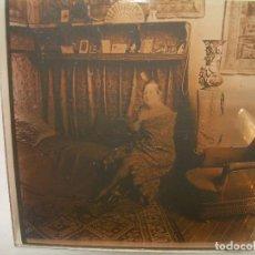 Fotografía antigua: CRISTAL ESTEREOSCOPICO..........ARTISTA O CANTANTE ?.......CIRCA. 1900. Lote 96412211