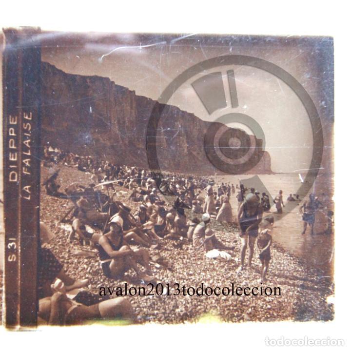 DIEPPE - DIA DE PLAYA - FRANCIA - CRISTAL ESTEREOSCÓPICO - FOTOGRAFÍA ÚNICA - AÑOS 10/20 (Fotografía Antigua - Estereoscópicas)