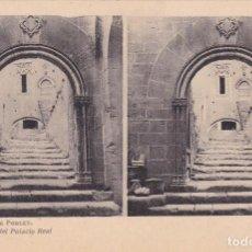 Fotografía antigua: MONASTERIO DE POBLET Nº 8 ENTRADA DEL PALACIO ESTEROSCOPIA - EDIC FOTOTIPIA THOMAS . Lote 98472171
