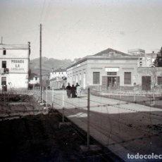 Fotografía antigua: OLESA DE MONTSERRAT. POSADA LA CATALANA. BAIX LLOBREGAT. CA. 1915. Lote 111499907